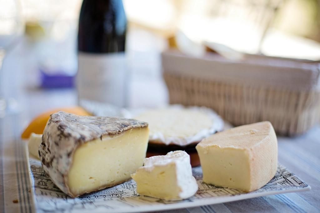 フランス人女性はチーズをよく食べるので太らない