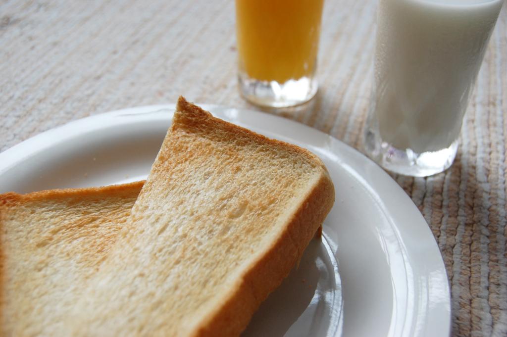 食パンはお腹が空く