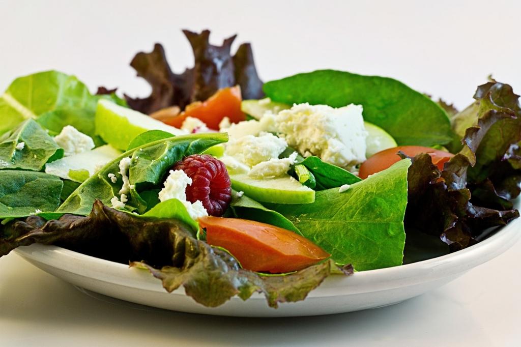 食欲を抑えるために野菜や海藻を最初に食べる