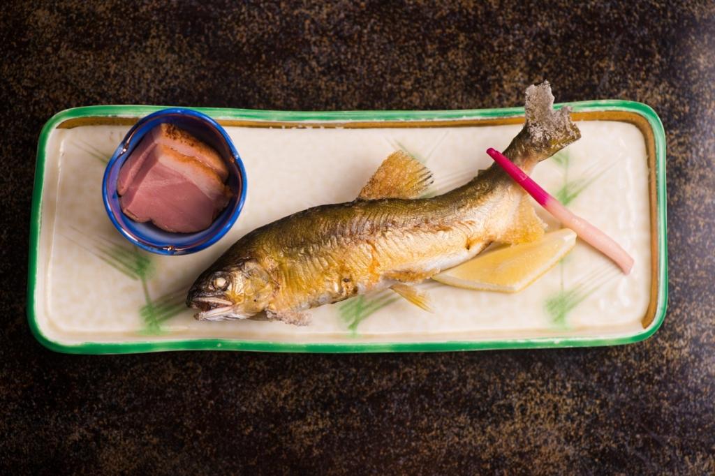 和食の焼き魚の正しい食べ方