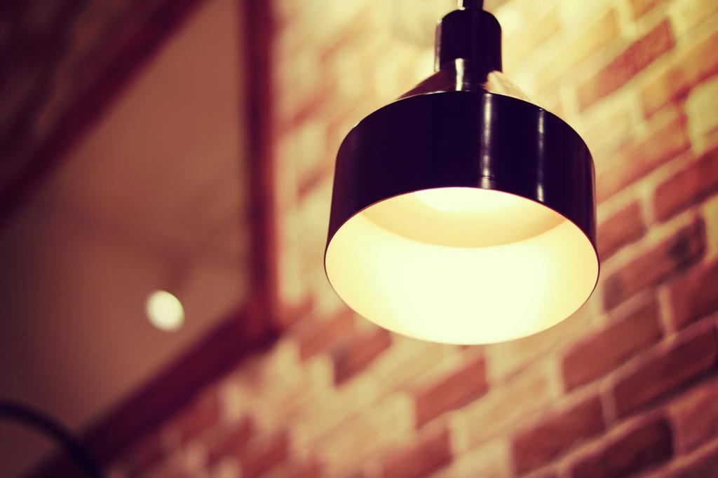 ペンダントライトでカフェ風のお部屋に