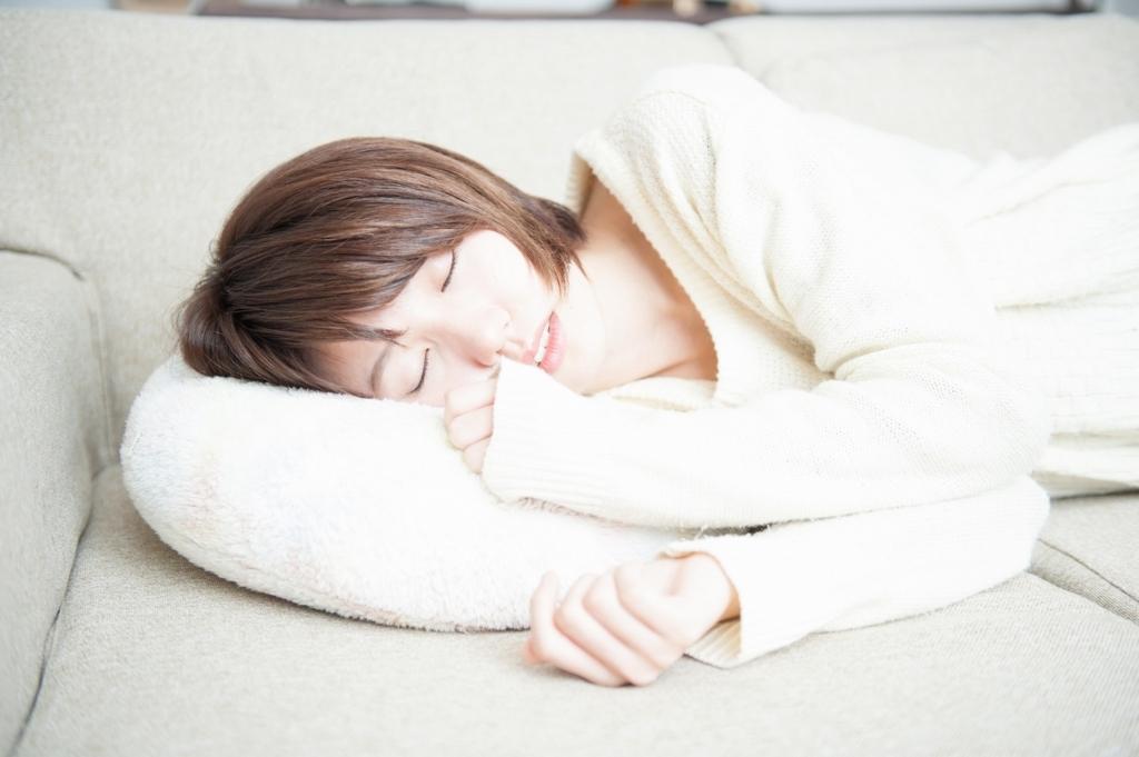 横向きで寝る人の健康度チェック