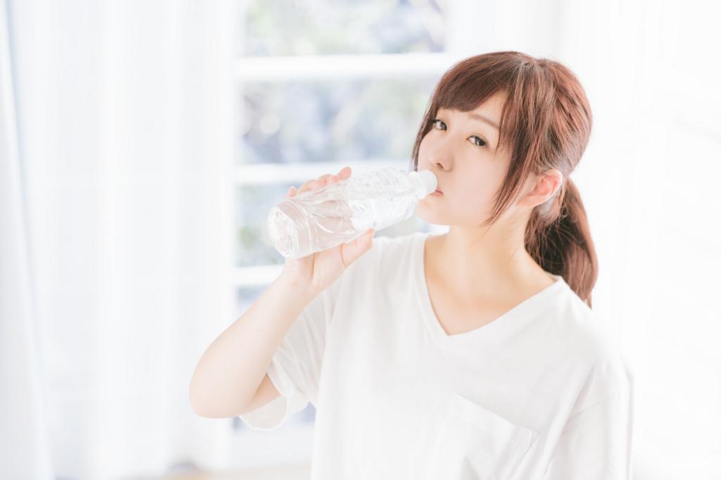 水は寝起きに飲む