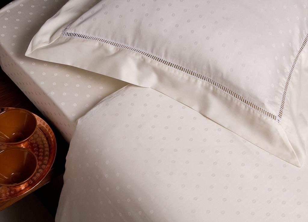ハッカ油を枕や布団にスプレーすると涼しい