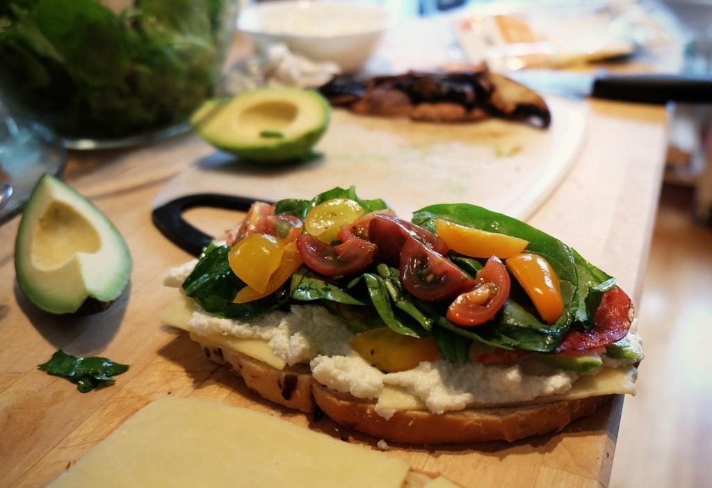 ダイエット中の正しい食事量とは?