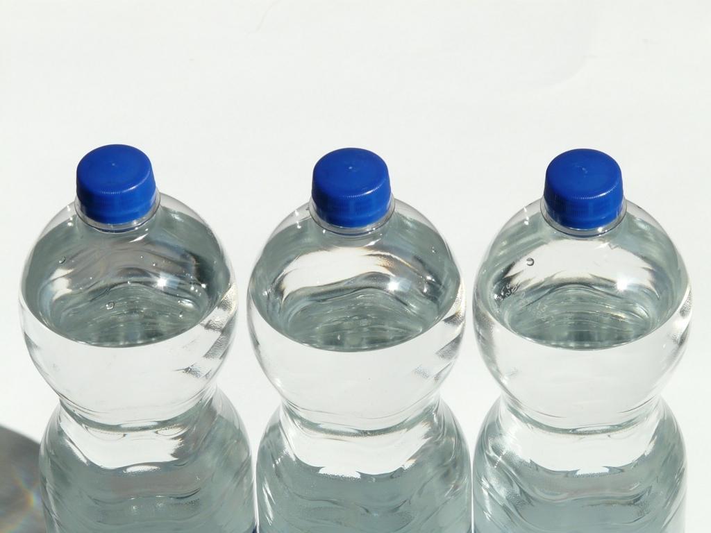絶対にしてはいけないペットボトルの使い方