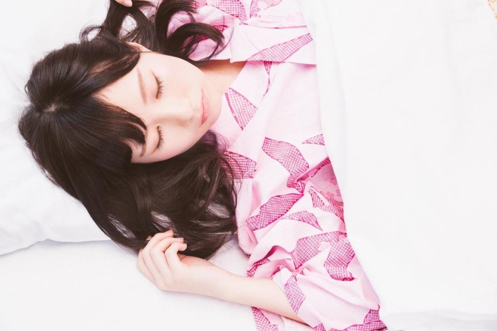 睡眠時間が長い人は消極的