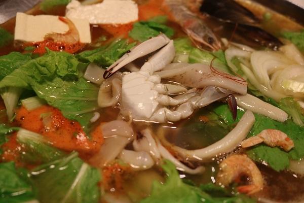 東大門で海鮮チゲ