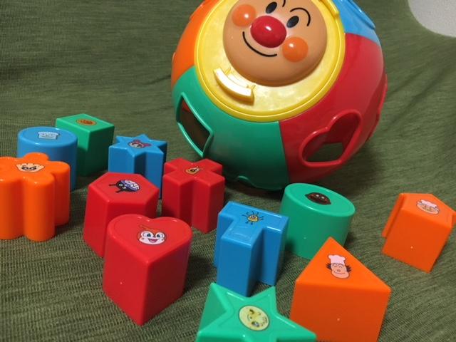 1歳のお誕生日プレゼントに!アンパンマンの型はめパズルなら外さない♪