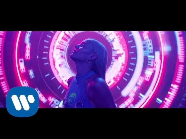 David Guetta - Don't Leave Me Alone feat. Anne-Marieの歌詞和訳まとめ