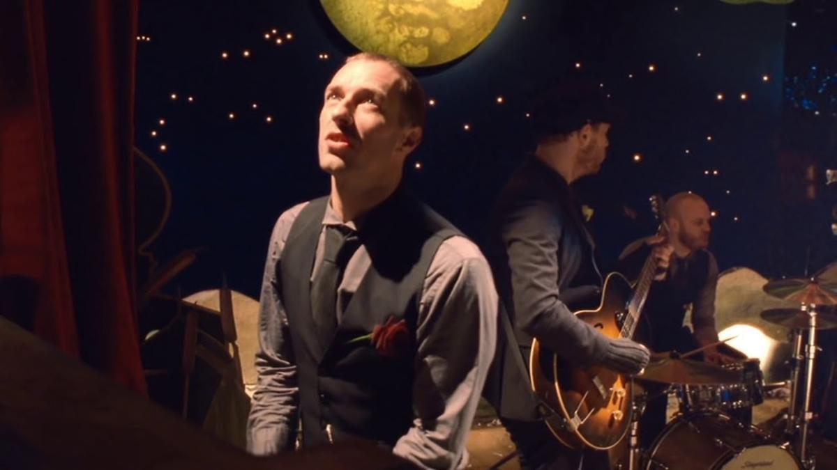 Coldplay - Christmas Lightsの歌詞和訳まとめ