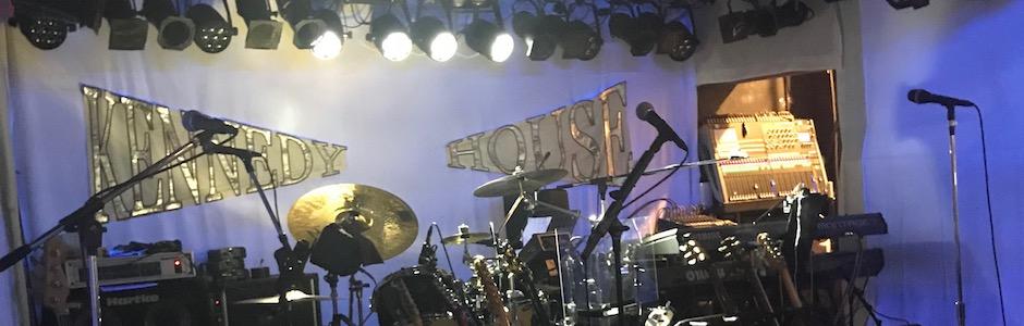 ケネディハウス銀座のステージ