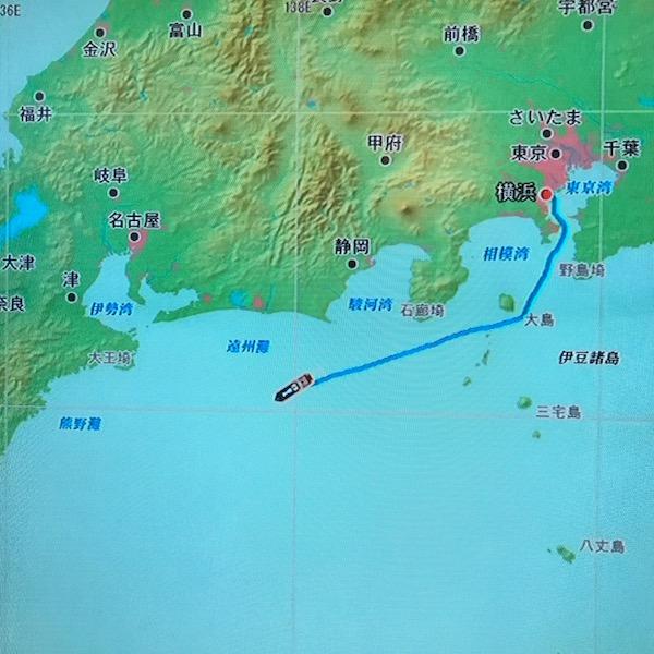 遠州灘沖を航行中