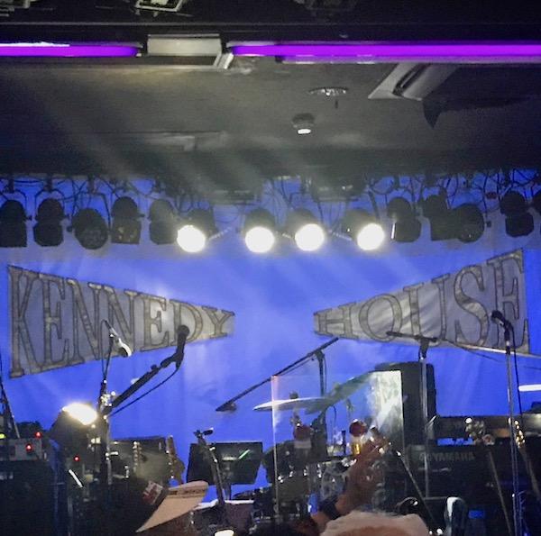 ケネディハウスのステージ