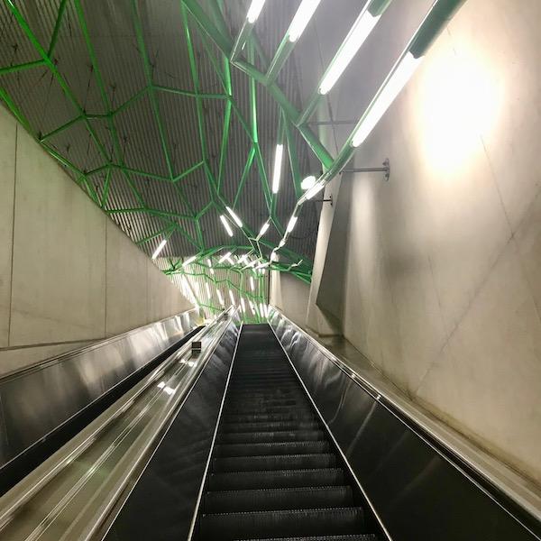 飯田橋駅のエスカレーター