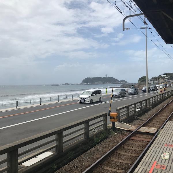 鎌倉高校前駅から江ノ島を観る