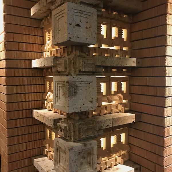 帝国ホテル旧本館列柱