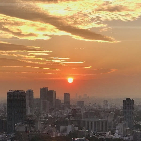 つるべ落としの秋の夕陽