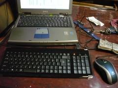 自宅PCは、外付けキーボードで復旧です。