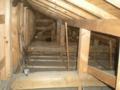 電灯幹線の通線の為に天井裏を這い蹲る。