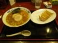 塩バターラーメン 餃子セット - 烏骨鶏ラーメン 龍 鴻巣店。