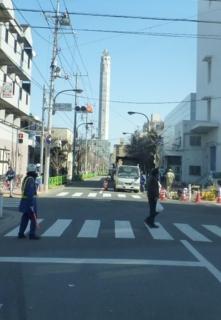 志茂のDNP工場通り。