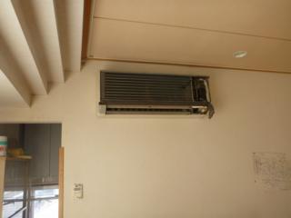 消防団詰所のエアコン交換工事です。