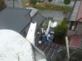 何とかバケット車入れて、屋根に上ります。