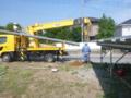 今日は前橋でコンクリート電柱の建柱です。