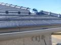 同軸ケーブルは、屋根上に置いておきます。