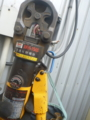 うちの手動油圧圧着工具AKH-150Sです。