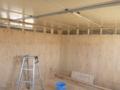 お客様従業員さんで、間仕切り壁作っていました。