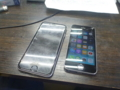 iPhone6sの充電コネクタ壊れて、手持ちのiPhone5sを代替機です。