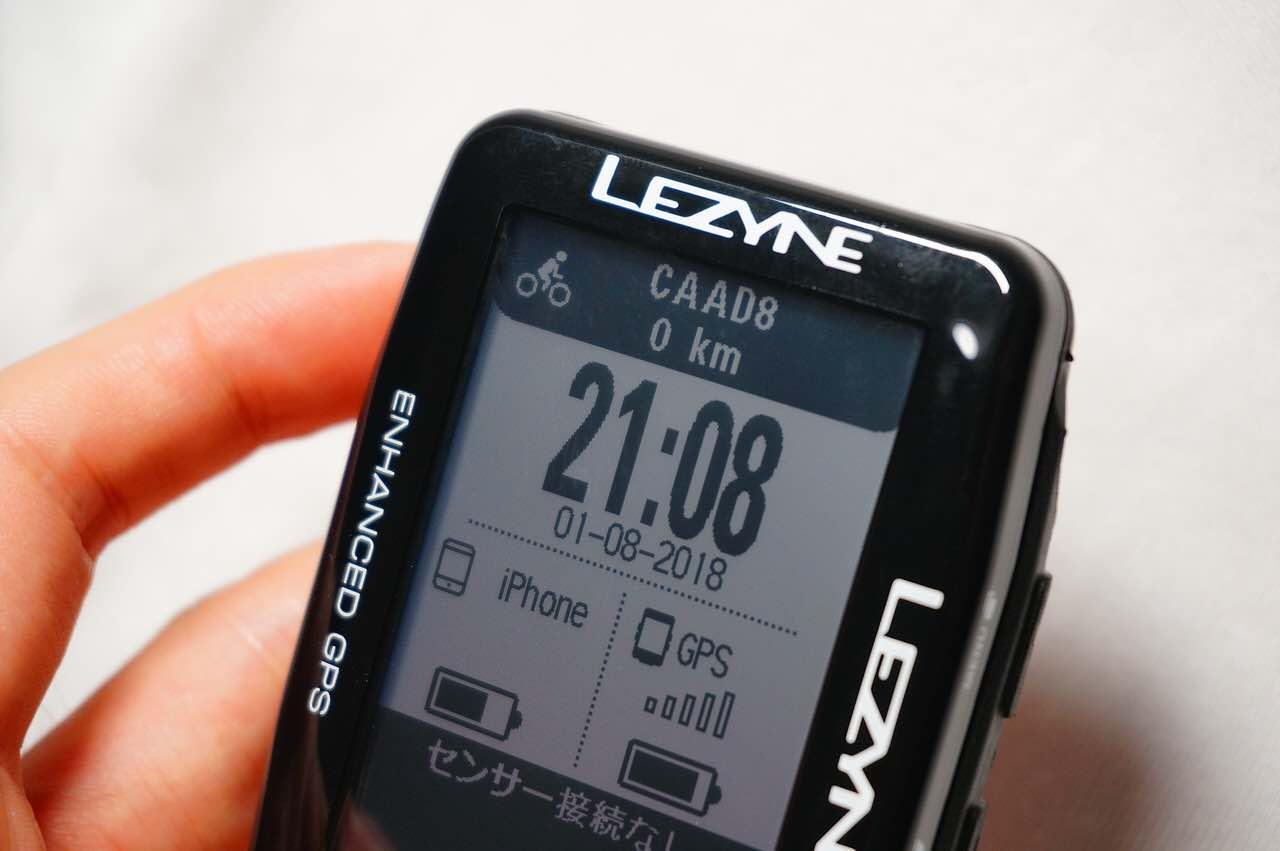 購入したLEZYNE MEGA XL GPS(レザイン メガ XL GPS)の正面右斜め上から見た写真