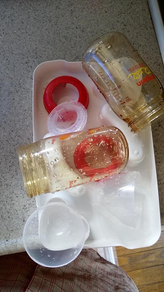 液体ミルクを外出先で新生児にあげるときの持ち物と調乳方法 保育士うたのブログ