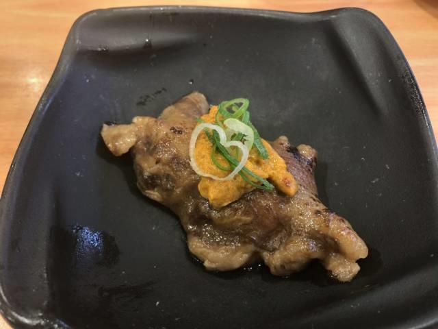 神戸牛炙りウニのせ