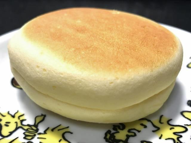 セブンプレミアムの「チーズ蒸しケーキサンド」