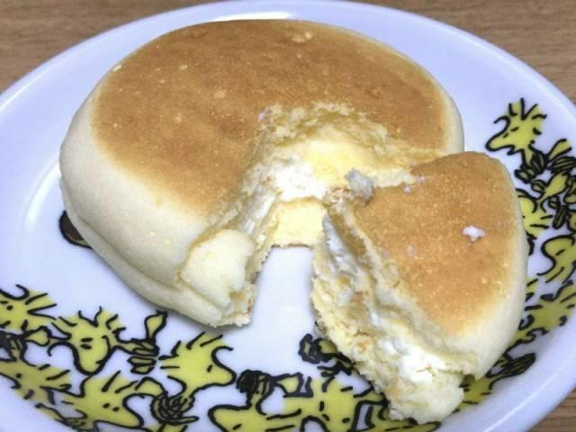 チーズ蒸しケーキサンド2