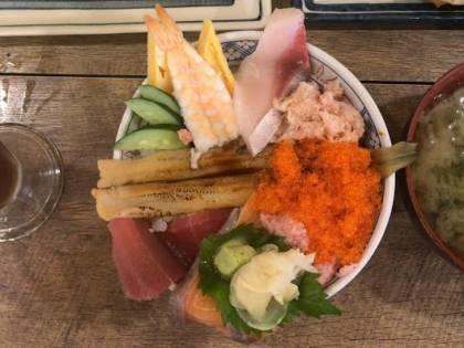 磯丸水産の海鮮こぼれ丼