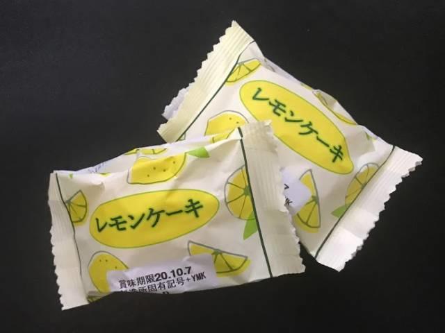 ダイソーのレモンケーキのパッケージ