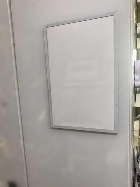 冷蔵庫の扉に貼り付けたホワイトボード