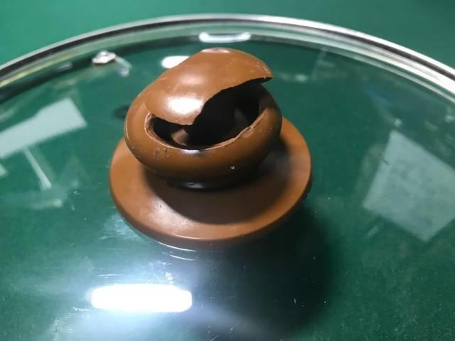 ガラス製鍋蓋の壊れたつまみ