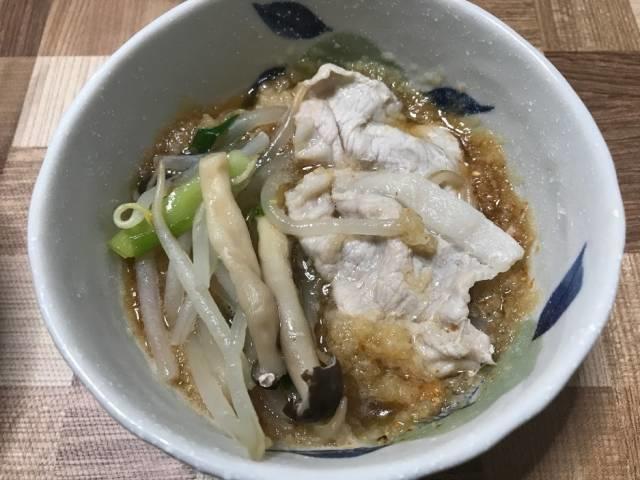 おろしポン酢で頂くタジン鍋