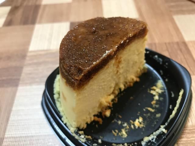「プリン!?なチーズケーキ」の断面