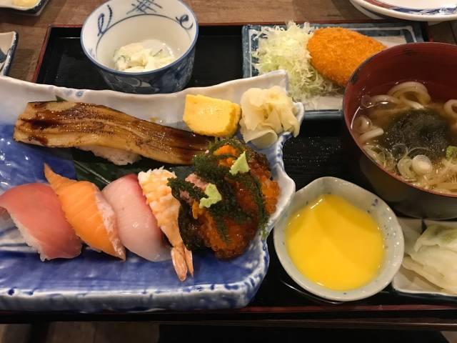 磯丸水産の「磯丸寿司定食」