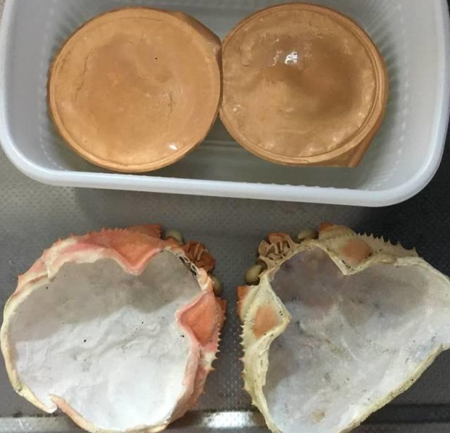テイクアウトの「蟹味噌甲羅焼」の内容物