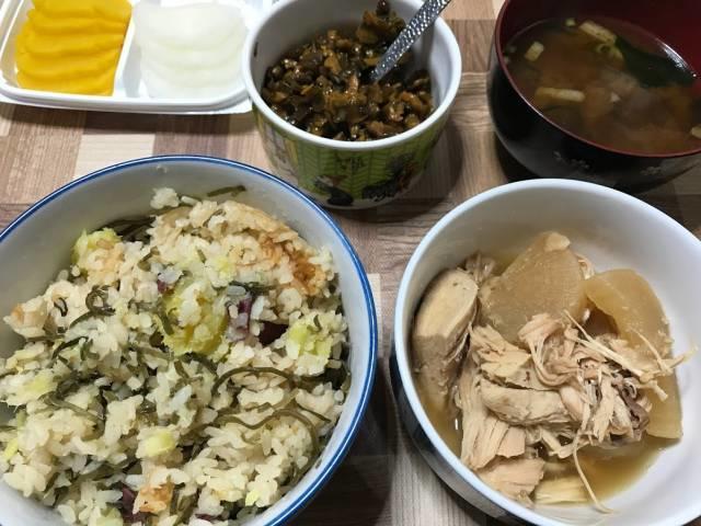 鶏と大根の甘辛煮とさつまいもご飯