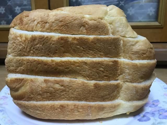 「ヨコ切りパンスライサー」で食パンを6枚切りした結果