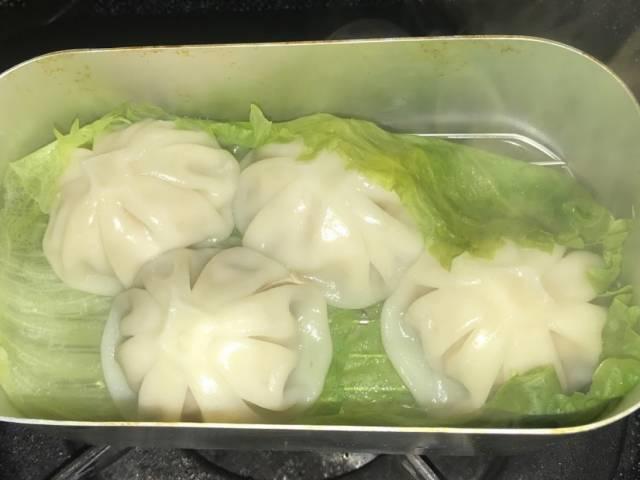メスティンで蒸した「冷凍生小籠包」