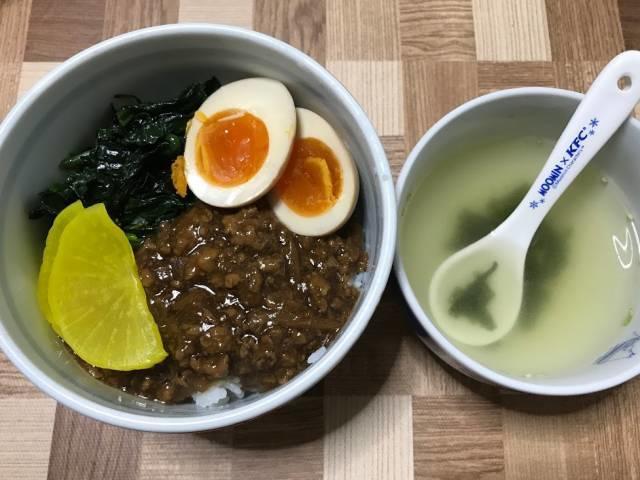 ニッポンハムの「アジア食彩館 ルーロー飯」を使ったルーロー飯の完成